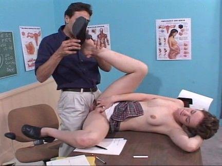 Aluna e professor fazem sexo