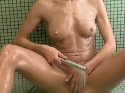 Caseira em um banho sexy
