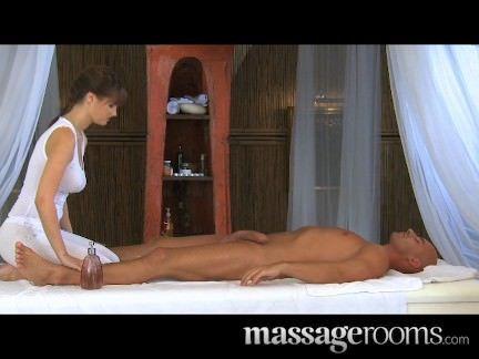 Comendo a massagista gostosa