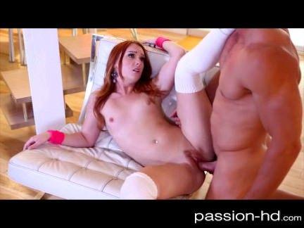 Dancinha sensual acaba em sexo
