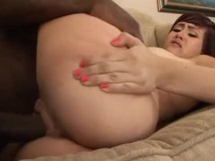 Dando o cúzinho no sexo amador