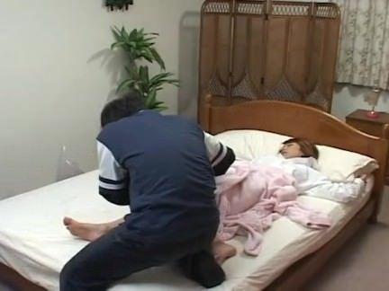 Empresário lambendo a xota da loira