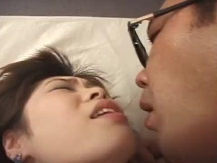 Enfermeira chupando a rola gostosa