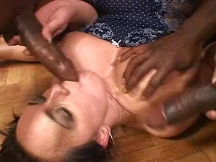 Esfregando a bucetinha tesuda porno