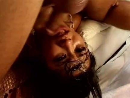 Filha da puta faz sexo oral