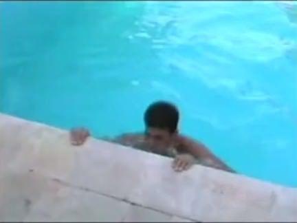 Gordinha chupando o pau do careca