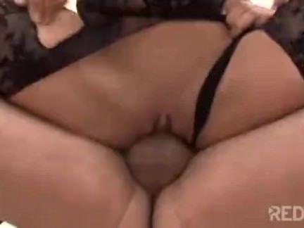 Gostosa dando a buceta porno
