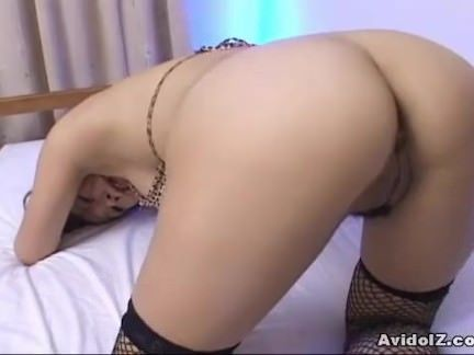 Japa arrombada se masturbando