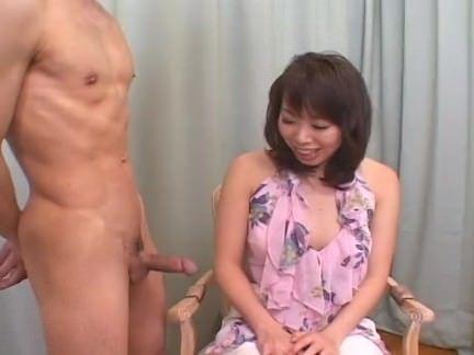 Japa tomando a porra do macho