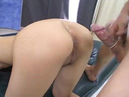 Japonesa safada dando a buceta