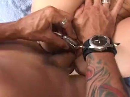 Lambendo a buceta lisinha