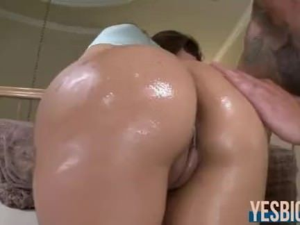 Latina perfeita no sexo anal
