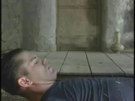 Loira puta dando a xaninha melada