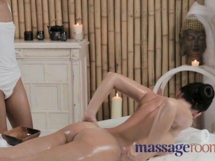 Massagem erotica na novinha vagaba