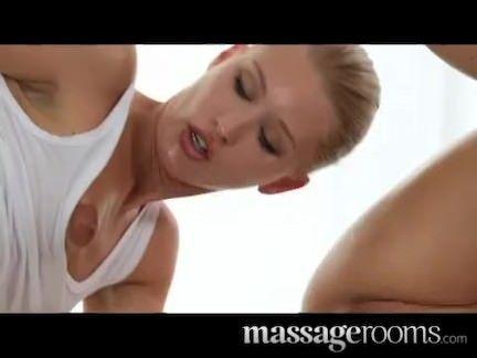 Massagistas taradas por rola atacando
