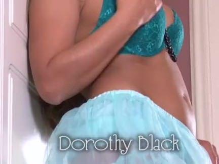 Masturbando a siririca lisinha
