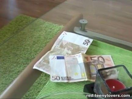 Morena da a xana por dinheiro
