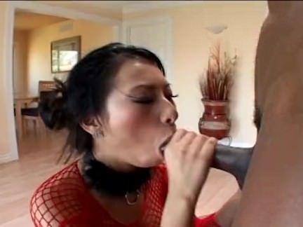 Morena esfregando a xoxota gostosa