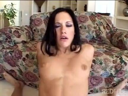 Morena gostosa no sexo anal