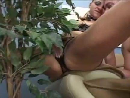 Moreninha esquentando a xoxota