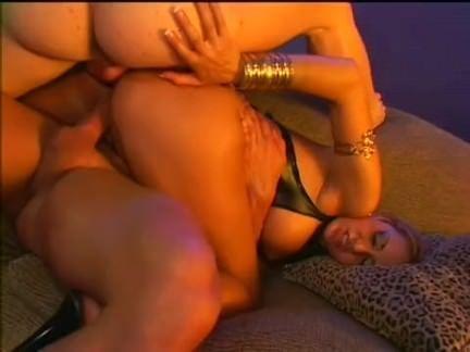Orgia explícita com sexo anal
