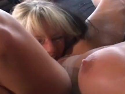 Primas lésbicas com fogo na boceta