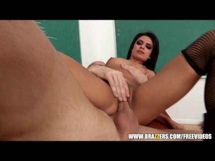 Professor comendo a buceta da aluna
