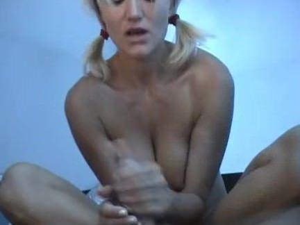 Punheta na barraca de camping
