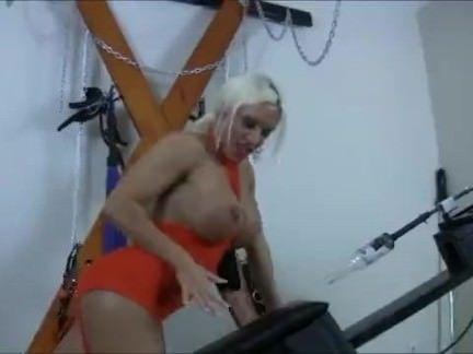Putona masturbando a buceta