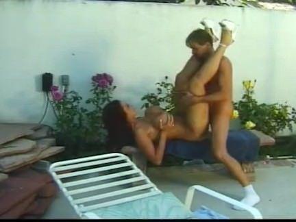 Roludo no sexo com duas vagabas
