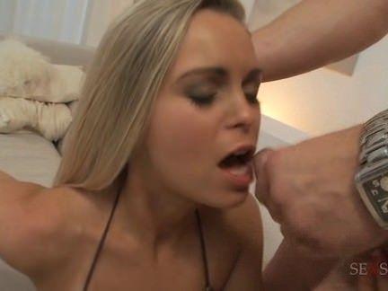 Sabrina provoca e fode muito