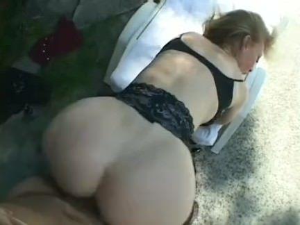 Secretária ataca o chefe no sexo