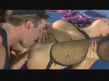 Sexo ao ar livre com loira gostosa