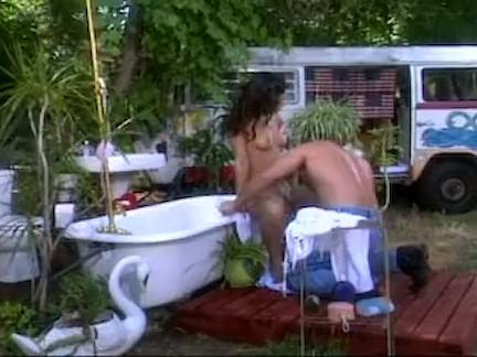 Sexo com amadora na banheira