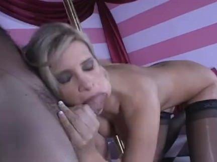 Sexo com dançarina de pole dance