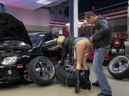 Sexo com gata motoqueira