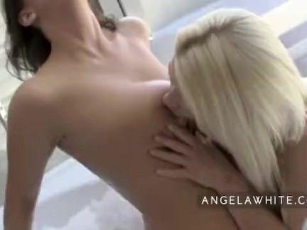 Sexo com gostosas no banho