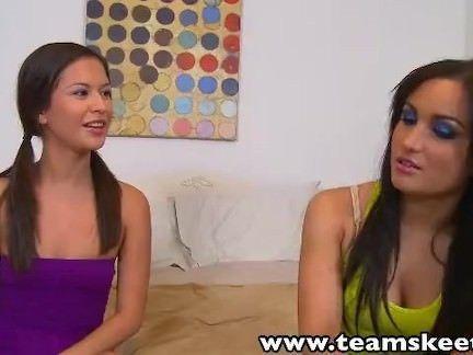Sexo com irmãs lésbicas
