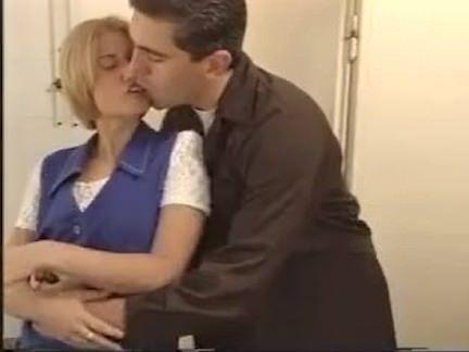 Sexo e putaria com duas morenas