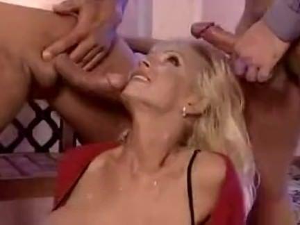 Sexo explícito das loirinhas vadias