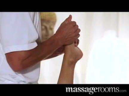 Sexo explicito na massagem