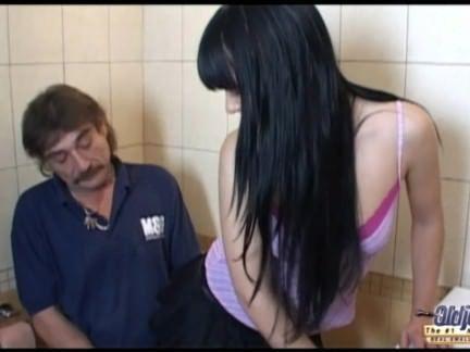 Sexo na lavanderia com putona