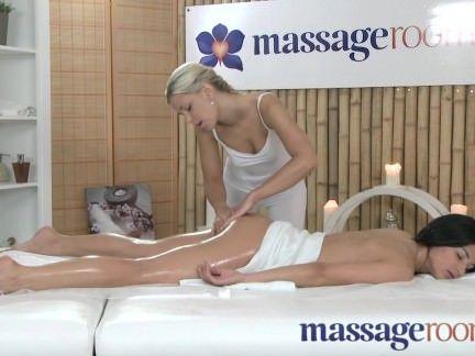Sexo na sala de massagem com putinha