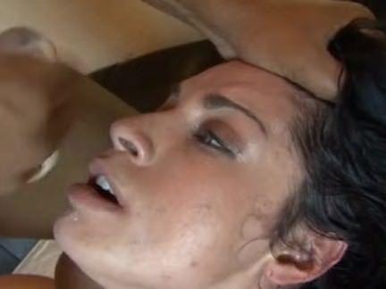 Vagabunda molhando a xoxota